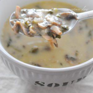 zupa pieczarkowa ze szpinakiem