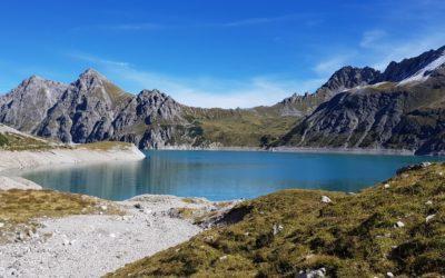 Jezioro Lünersee w austriackich Alpach