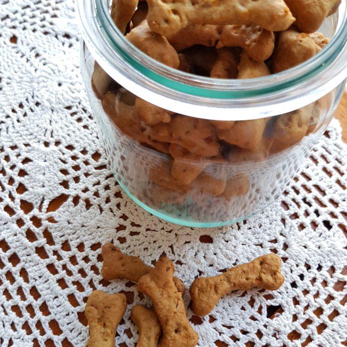Ciasteczka dla psa z masłem orzechowym