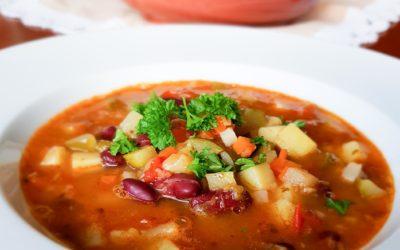 Zupa minestrone, włoskie smaki w twoim domu