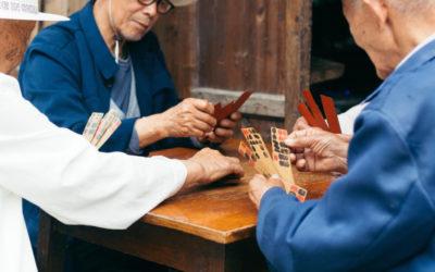 Karcianki – idealne gry na wakacje