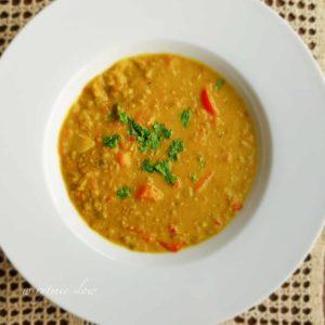 wegańska zupa z soczewicy
