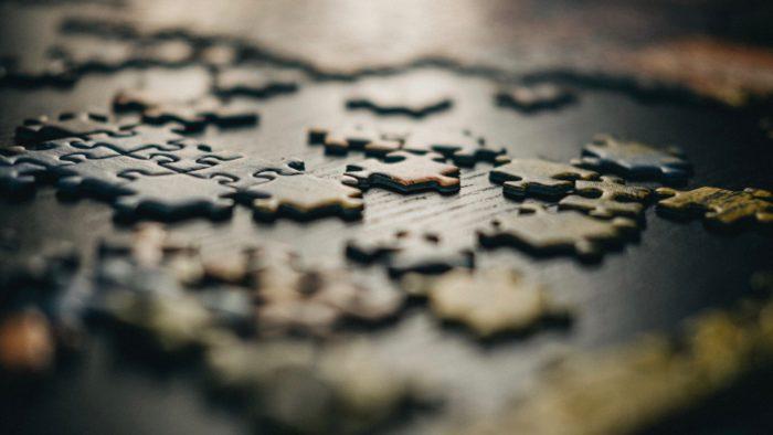 Dlaczego warto układać puzzle?